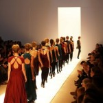 How to follow the fashion shows online