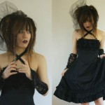 How to dress in gothic style