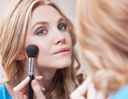 wear-makeup