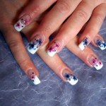 Nail art with dried flowers