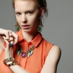 Maxi jewelry: glamorous accessories to color your summer