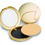 Compact foundation with sunscreen