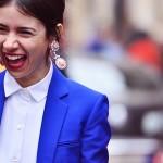 How to wear big earrings