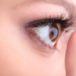 The Best Makeup for Your Contact Lenses